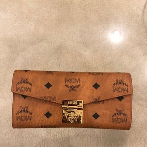 MCM Chain Wallet